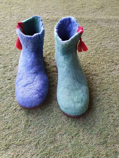 Fashion Women Shoes : Felt shoes, handmade stylish purple and green shoes for women, brand new