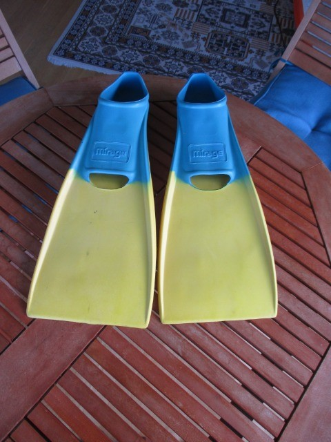 Sports Classified Sports Water Sports : Mirage Fins, Medium/Large, Rubber Fins