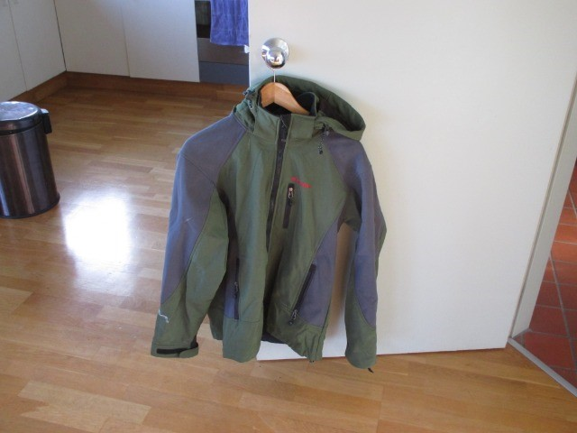 Sports Classified Sports Camping & Outdoors : Marmot Jacket, Large Men, Windstopper