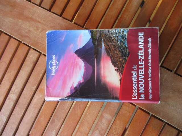 Books & Stationery Books Nonfiction : La Nouvelle Zelande, Lonely Planet, NZ Lonely Planet in French